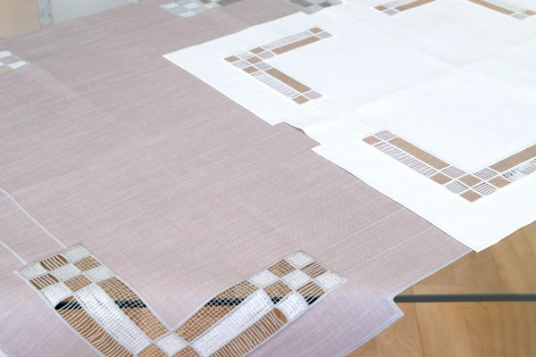 Mitteldecke LEA in creme oder taupe